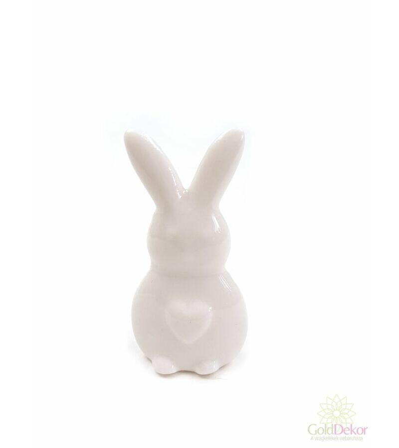 Porcelán nyuszi figura szíves fehér