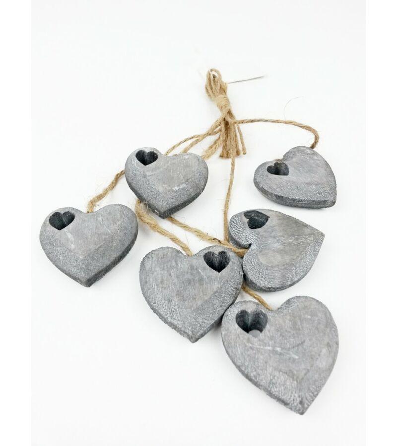 Faragott fa szív zsinórral vágott szívvel -Szürke