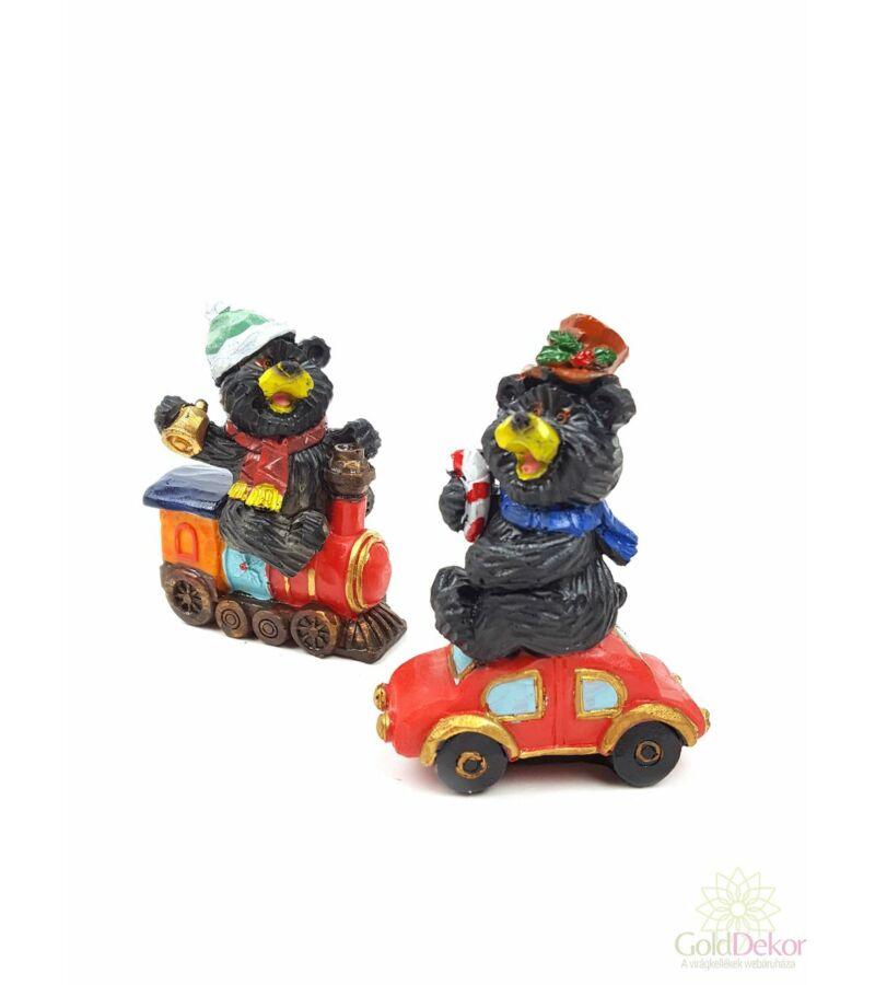 Maci figura járművön