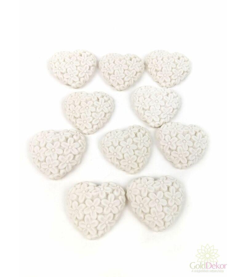 Öntapi virágmintás polyresin szív - Fehér
