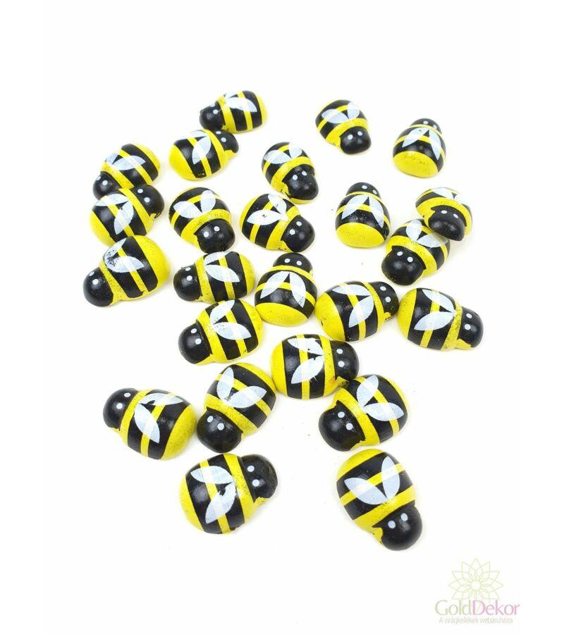 Öntapi méhecske 2 cm